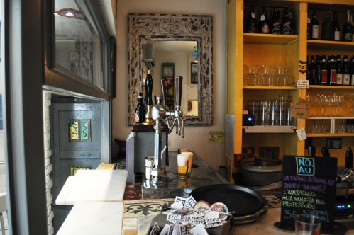 The bar and taps at No.Au Rome