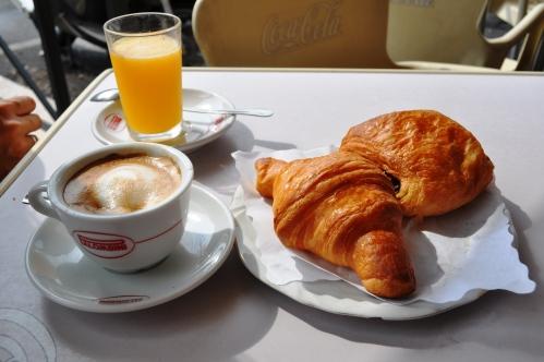 Cappuccio, spremuta, pastries at Caffe Arabo, Trastevere, Rome