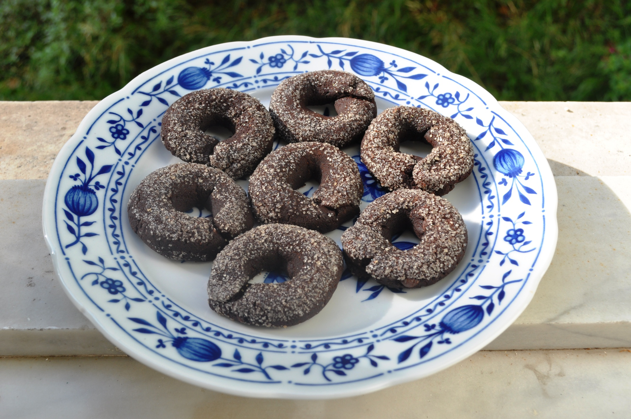 Red wine and chocolate ring cookies, or Ciambelline al vino rosso e ...
