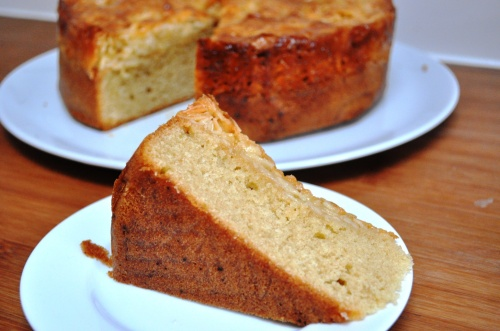 Gellatly almond cake slice