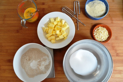Wholemeal honey cake ingredients