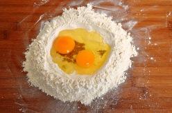Making acciuleddi pasta 1