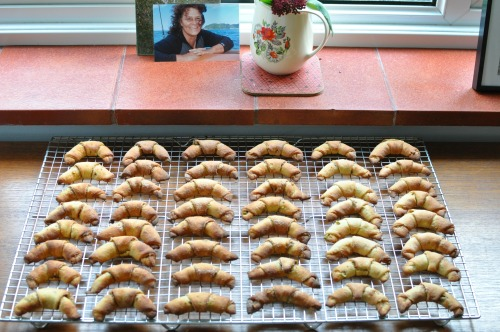 48 cinnamon pistachio pastries, with Nadia