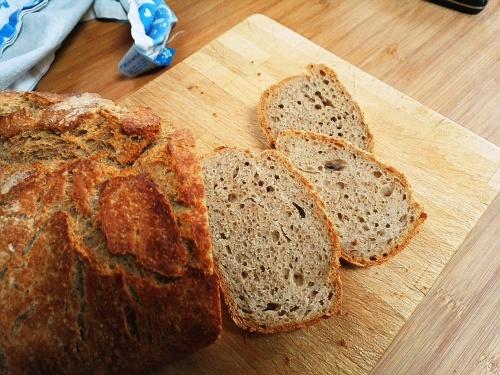 No knead, semi sourdough crumb shot
